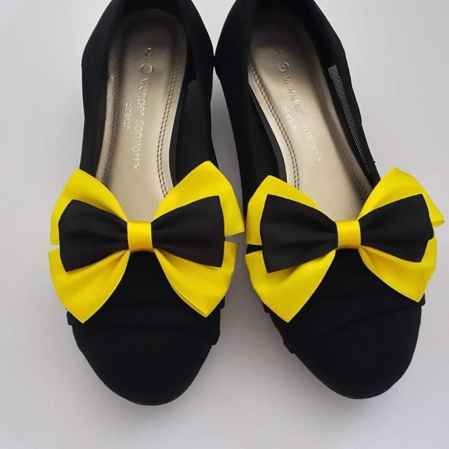Emma Wiggle Bow Shoe Clips